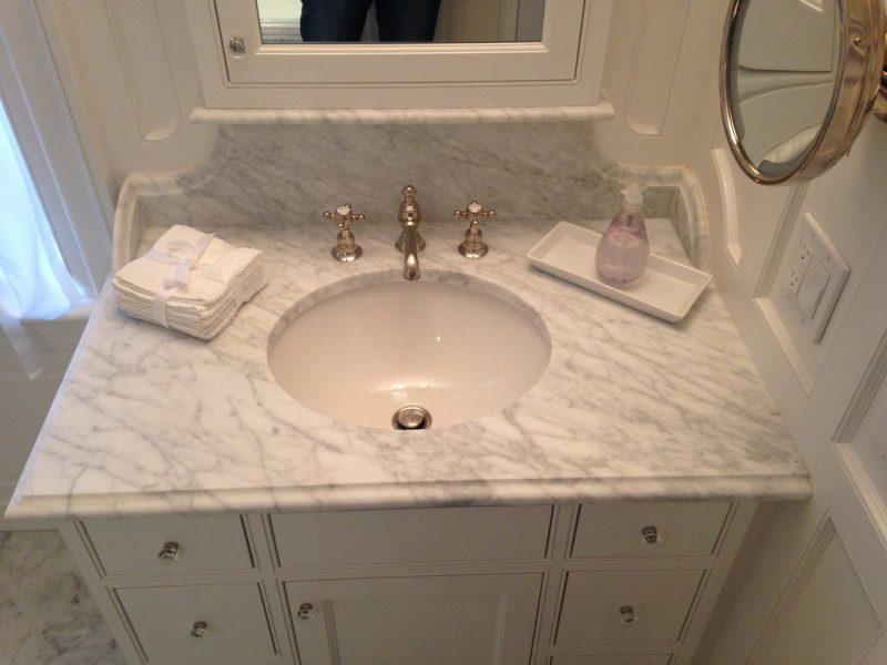 Marble bath countertop